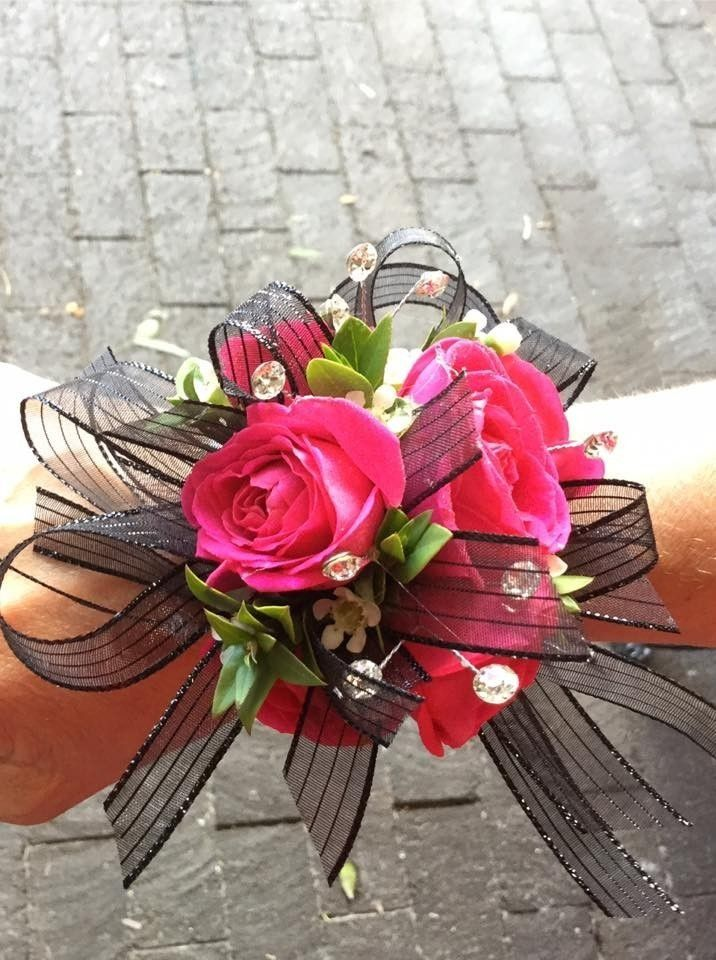 Black Dress for Prom Corsage