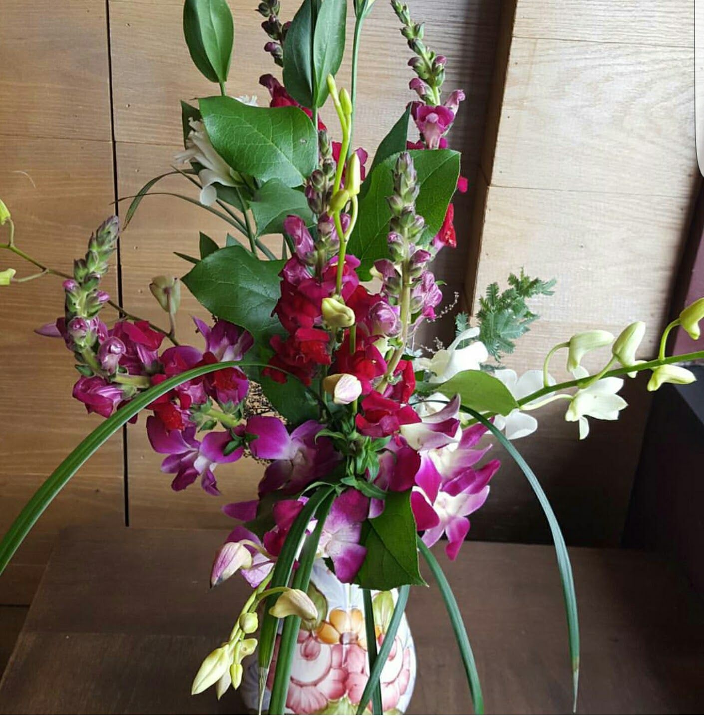 Christophers club richmond va florist 23221 christopher flowers christophers club is a three tier services that allows clients to recieve flowers on a weekly basis this sevice is best for relators placing fresh flowers izmirmasajfo
