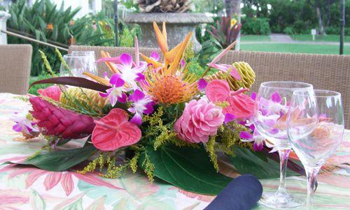 hawaii tropical floral arrangement d elegance florist florist rh deleganceflorist com tropical floral arrangement images