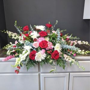 Sympathy and Funeral Flowers for the Casket Acorn