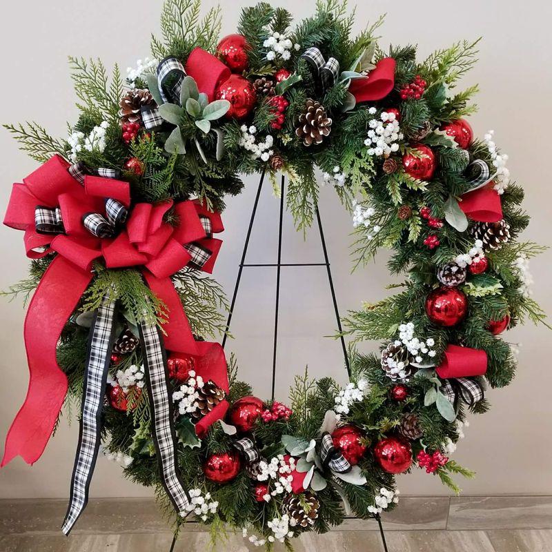 Christmas Flower Arrangements Artificial.Silk Plaid Christmas Wreath Fulton Md Florist Ellie S