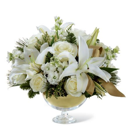 Blooming Blog The Final Touch For Your Christmas Table A Holiday Centerpiece Elm Grove Florist Snapdragon Flowers Flower Delivery Elm Grove Wi 53122
