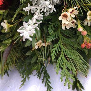 Christmas Greenery Centerpieces.Holiday Fav Greenery Centerpiece Freesia And Vine Fav