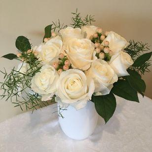 FAV White Bouquet