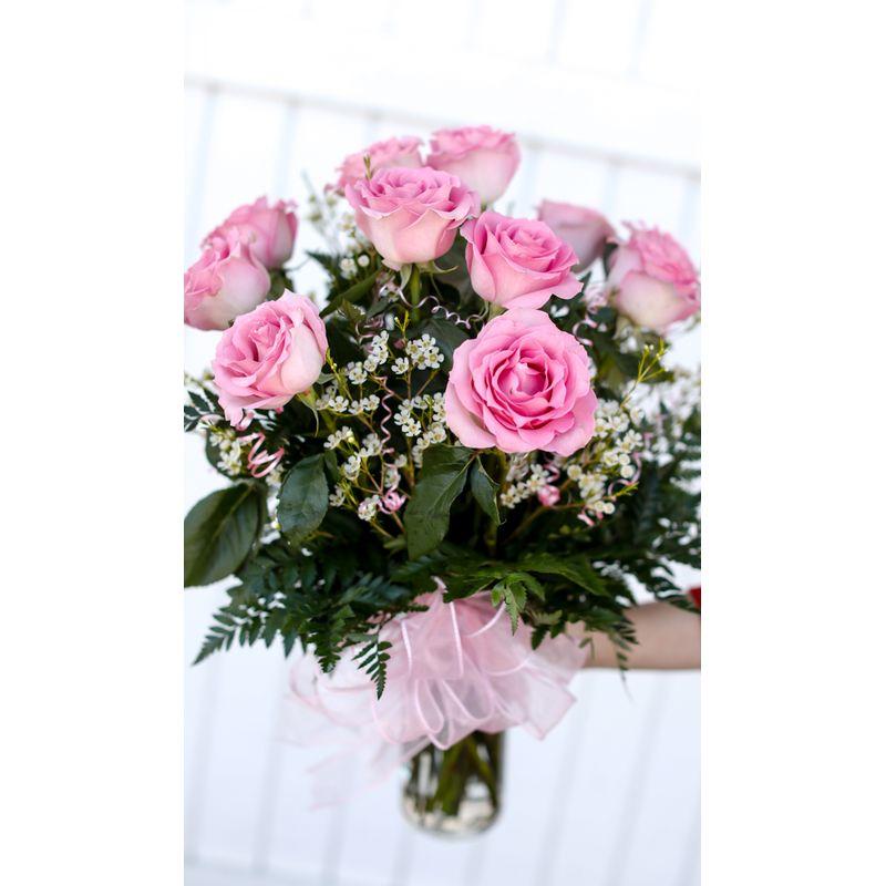 Ten Baby Pink Rose Bouquet In Glass Vase Muskogee Ok Florist
