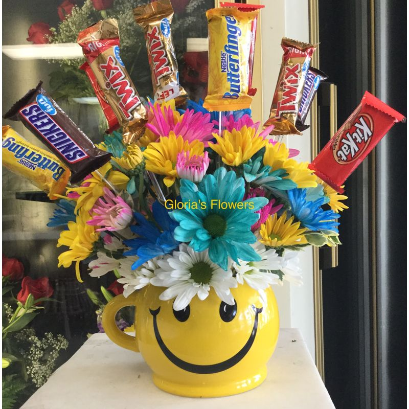 Smiley Daisies with Chocolates Gloria\'s Flowers-Dallas TX 75211