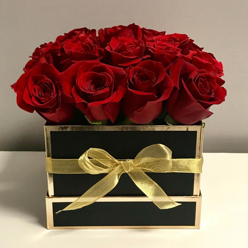 Luxury Red Rose Box Hiway Flowers | Kitchener, Waterloo, Cambridge ...