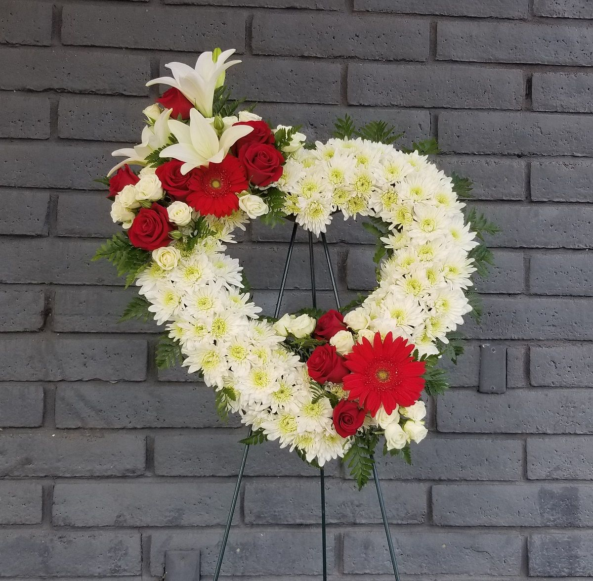 Keizer or 97303 florist keizer florist remember you can always depend on our staff to help you choose sympathy or funeral flowers for a friend or loved one izmirmasajfo