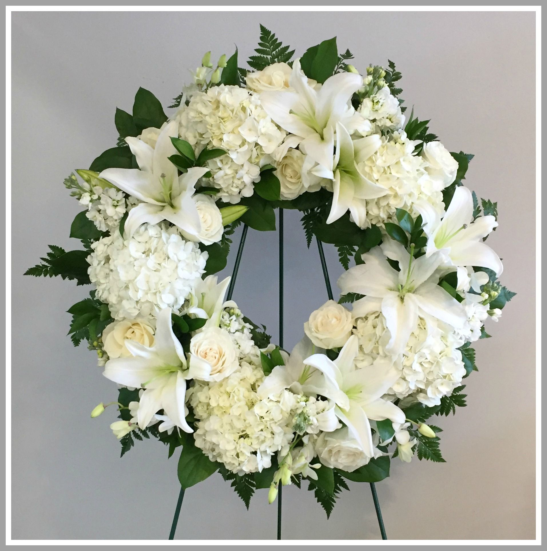Sympathy And Funeral Flowers By Lindas Florist Of Short Hills Short