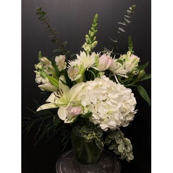 Mill's Flowers and Gifts - Mt  Pleasant, TX 75455