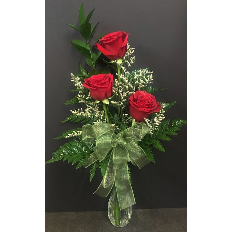 3 Roses In A Bud Vase Mills Flowers And Gifts Mt Pleasant Tx 75455