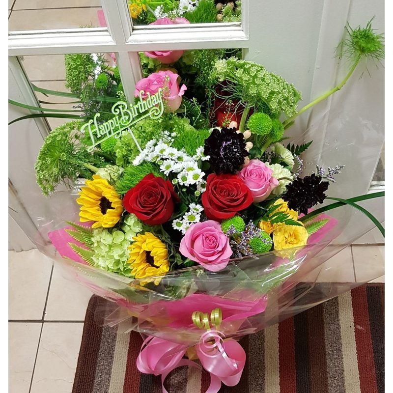 Happy Birthday Flowers Etobicoke Florist Nelia S Floral Design Local Flower Delivery Etobicoke On M9w 2m9