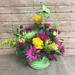 Spring flowers hull ia florist 51239 personal touch designs floral springtime wishes in hull iowa personal touch designs mightylinksfo