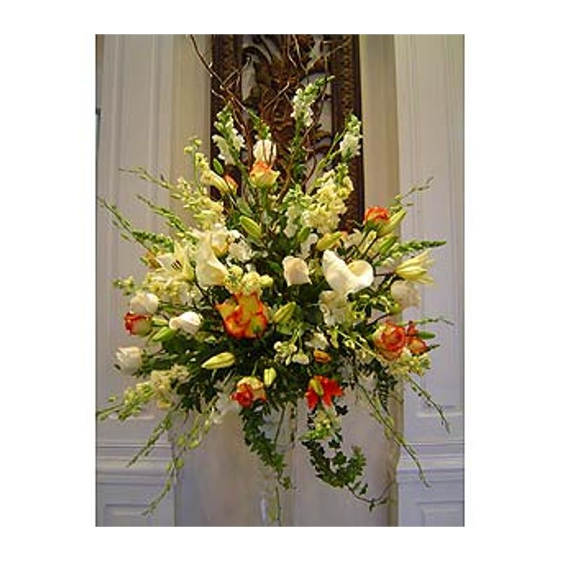 Shanon's Centerpiece Santos Florist