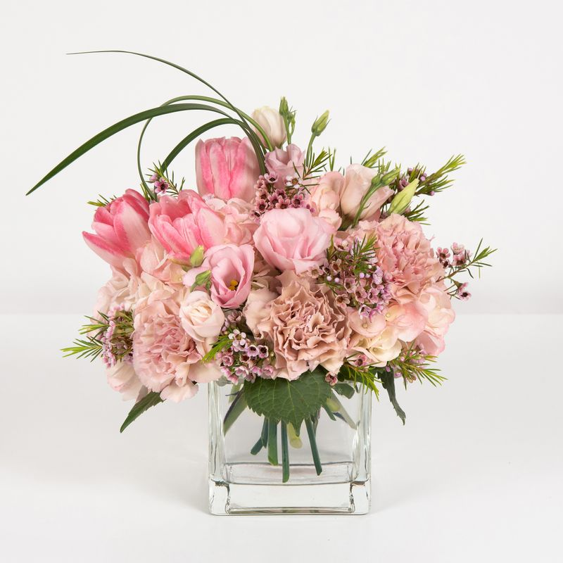Blushing Blossoms Gastonia And Lowell Florist Winterpast Flowers Flower Delivery Gastonia Nc And Lowell Nc