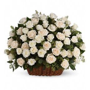 Bountiful Rose Basket in Ville Platte LA, The Flower Patch