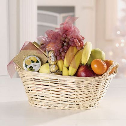 Fruit And Gourmet Basket in Vancouver BC, BEAUTIFUL BUNCHES ✾