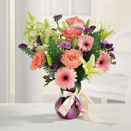 Over The Rainbow in Starkville MS, Fleur de Lis Flowers and Gifts